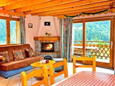 Rent in ski resort Chalet Grand Arbet - Champagny-en-Vanoise - Fireplace