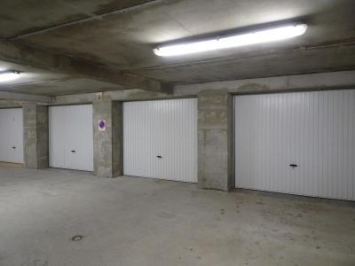 Rent in ski resort 6 room triplex apartment 12 people - Chalet Soldanelles - Champagny-en-Vanoise - Parking