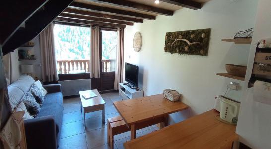 Rent in ski resort 3 room duplex apartment 6 people (C09BCL) - Les Hauts de Planchamp - Campanule - Champagny-en-Vanoise - Living room