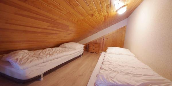 Location au ski Appartement 3 pièces mezzanines 6 personnes (CCET019) - Résidence le Centre - Champagny-en-Vanoise - Mezzanine mansardée (-1,80 m)