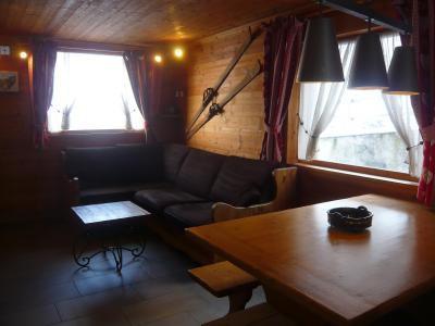 Rent in ski resort 3 room chalet 7 people - Résidence les Edelweiss - Champagny-en-Vanoise - Table