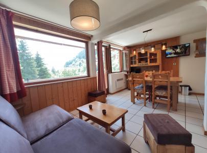 Rent in ski resort Résidence les Edelweiss - Champagny-en-Vanoise - Living room