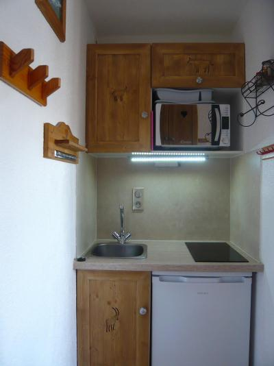 Rent in ski resort Studio 2 people - Résidence les Edelweiss - Champagny-en-Vanoise - Kitchenette