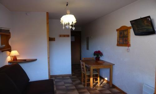 Location au ski Studio 2 personnes - Residence Les Edelweiss - Champagny-en-Vanoise - Table