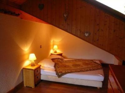 Location au ski Studio 3 personnes (standard) - Résidence les Edelweiss - Champagny-en-Vanoise - Chambre mansardée