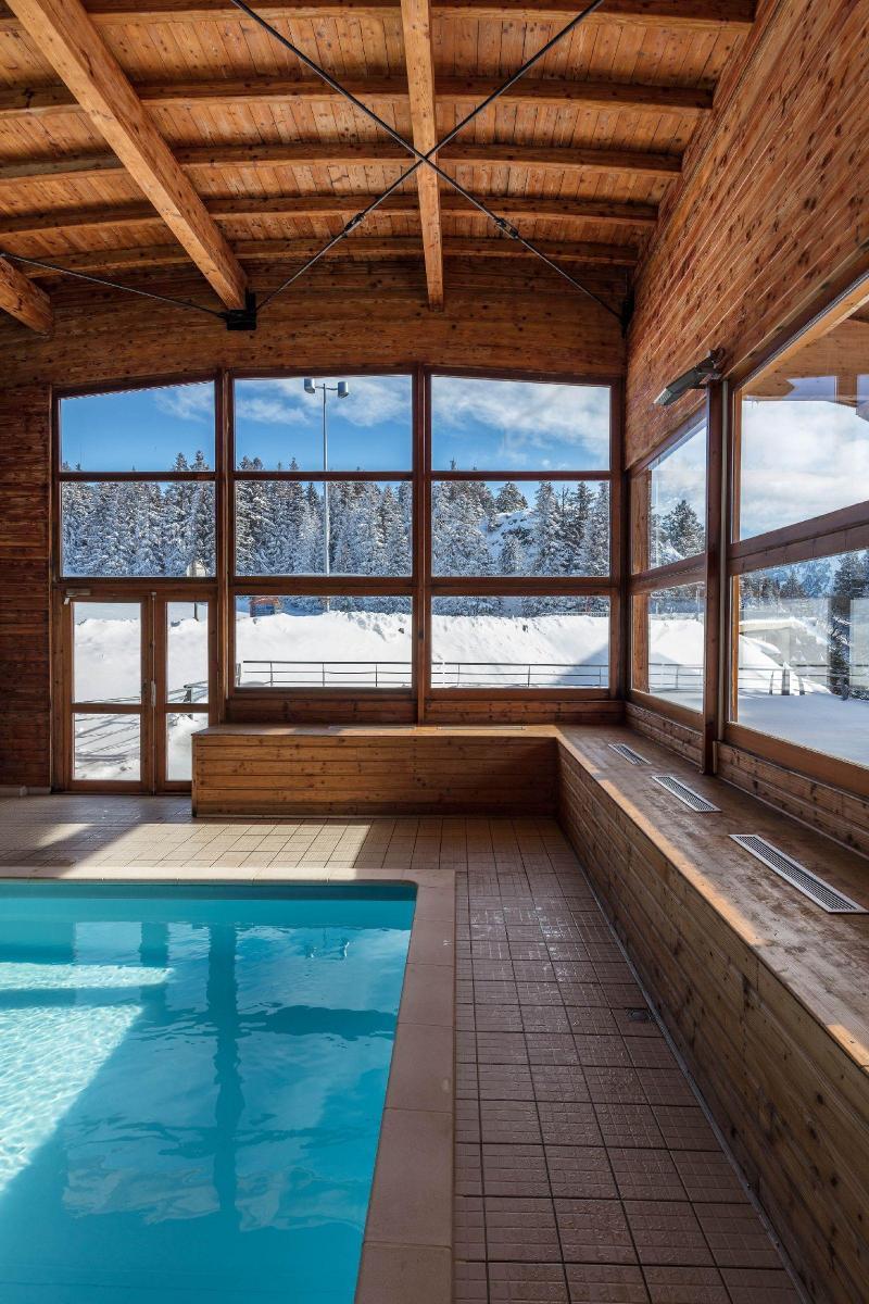 Location au ski Résidence l'Ecrin des Neiges - Chamrousse - Piscine