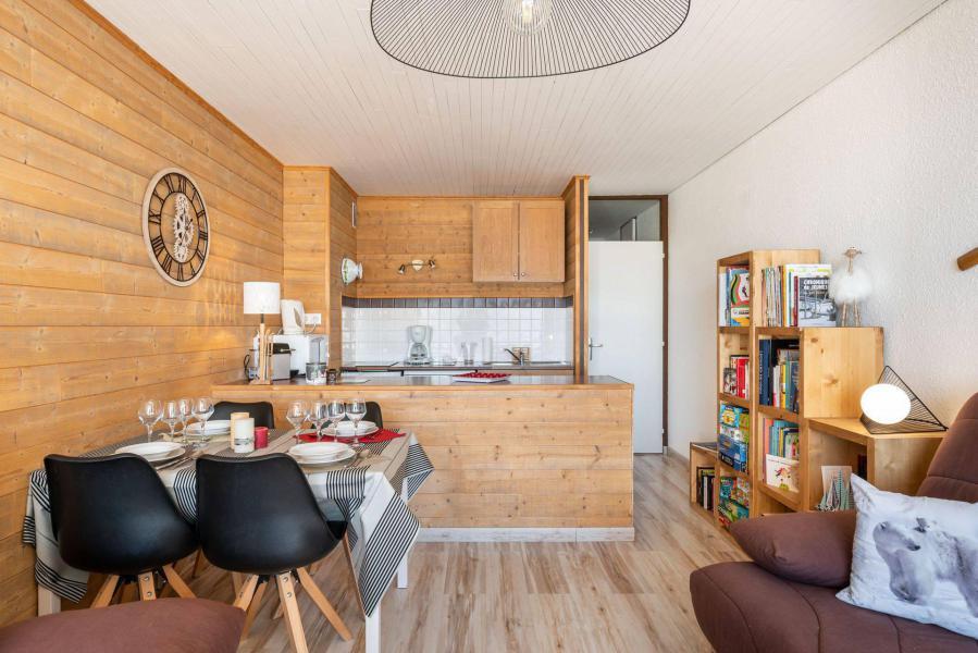Vacances en montagne Studio 4 personnes (303) - Résidence le Chamois - Chamrousse - Extérieur hiver