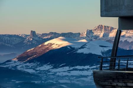 Vacances en montagne Résidence l'Ecrin des Neiges - Chamrousse - Extérieur hiver