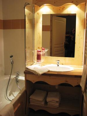 Location au ski Residence Les Balcons De Recoin - Chamrousse - Salle de bains