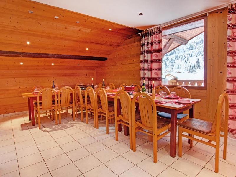 Location au ski Chalet du Linga - Châtel - Table