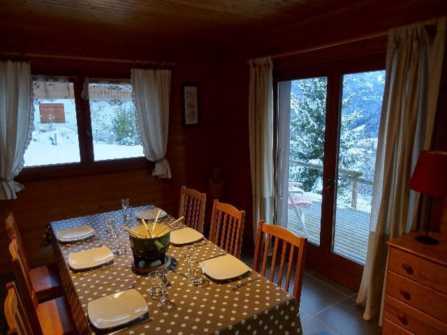 Location au ski Appartement 3 pièces 6 personnes - Chalet les Barbules - Châtel - Table