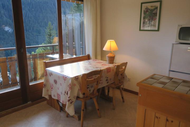Location au ski Appartement 2 pièces coin montagne 4 personnes (BBB4) - Les Chalets de Barbessine - Châtel - Table
