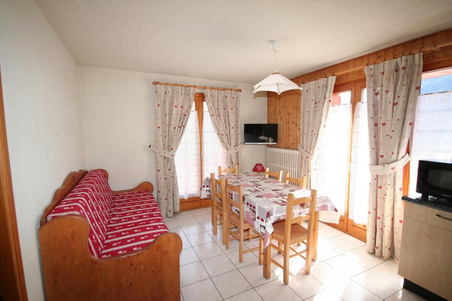 Rent in ski resort 3 room apartment 6 people (6) - Résidence Echo des Montagnes - Châtel - Settee