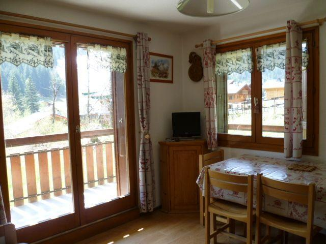 Rent in ski resort 2 room apartment 4 people (201) - Résidence le Linga - Châtel - Living room