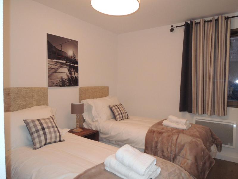 Rent in ski resort 4 room duplex apartment 6 people (A32) - Résidence les 4 Eléments - Châtel - Bedroom
