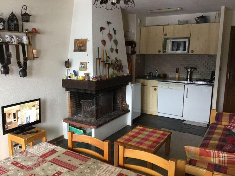 Location au ski Appartement duplex 3 pièces 6 personnes (YT4065) - Résidence Yéti - Châtel - Cheminée