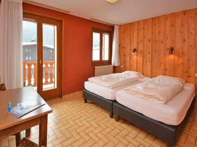 Rent in ski resort Chalet du Linga - Châtel - Single bed