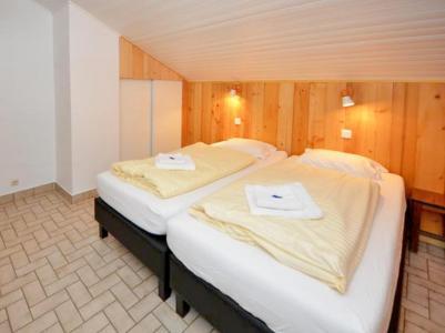 Rent in ski resort Chalet du Linga - Châtel - Single bed