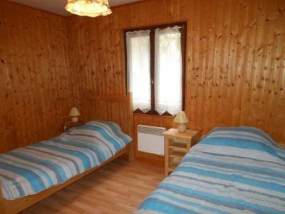 Rent in ski resort 3 room apartment 6 people - Chalet les Chablis - Châtel - Bedroom