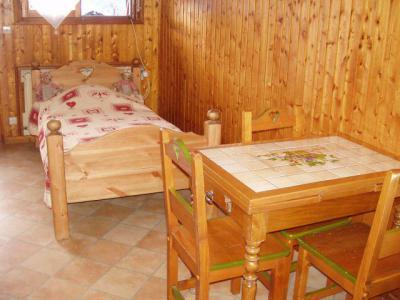 Location au ski Studio 3 personnes (003) - Chalet les Pensées - Châtel - Table