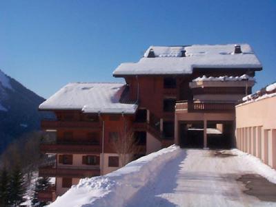 Location au ski Les Chalets de Barbessine - Châtel - Extérieur hiver