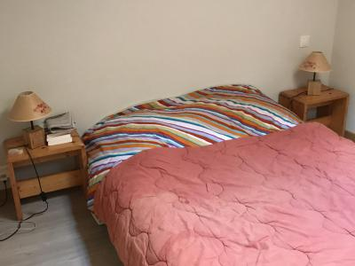 Rent in ski resort 3 room duplex apartment 6 people (021A) - Résidence Hameau des Quatre Saisons - Châtel - Bedroom