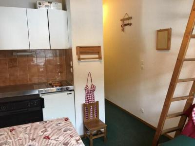 Rent in ski resort Studio mezzanine 3 people (17A) - Résidence la Toison Blanche - Châtel - Apartment