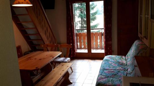Rent in ski resort 2 room mezzanine apartment 5 people (15B) - Résidence les Voinettes - Châtel - Living room