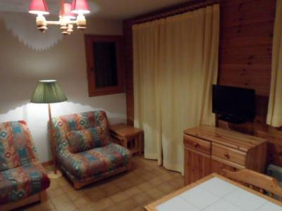 Rent in ski resort Studio cabin 4 people (06B) - Résidence les Voinettes - Châtel - Living room