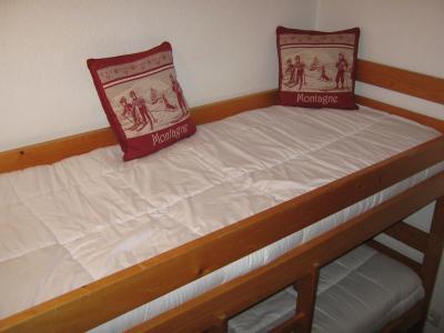Rent in ski resort Studio cabin 4 people (28A) - Résidence les Voinettes - Châtel - Bunk beds
