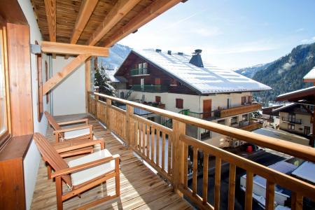 Rent in ski resort Résidence Prestige les Fermes de Châtel - Châtel - Balcony