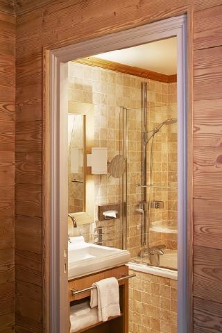 Location au ski Chambre Confort (2 personnes) - Hotel Des 3 Vallees - Courchevel - Salle de bains
