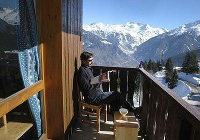 Location au ski Residence Les Brigues - Courchevel - Extérieur hiver