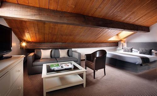 Location au ski Chambre Triple (3 personnes) - Hôtel le New Solarium - Courchevel - Chambre