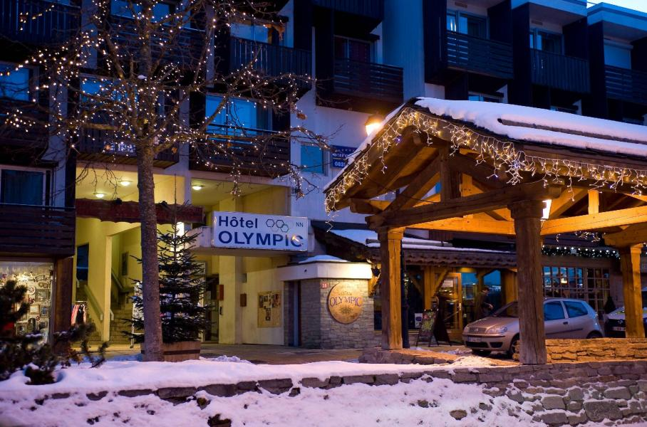 Rent in ski resort Hôtel Olympic - Courchevel - Winter outside
