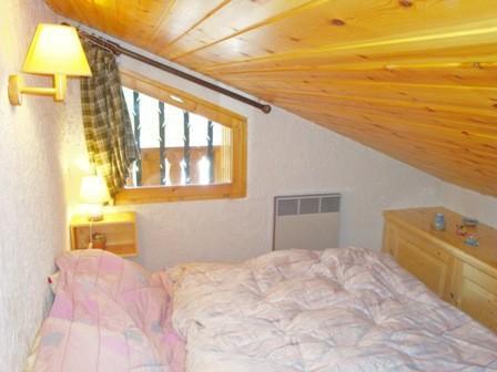 Location au ski Appartement 2 pièces 4 personnes (7) - Résidence Mélèzes - Courchevel - Chambre mansardée