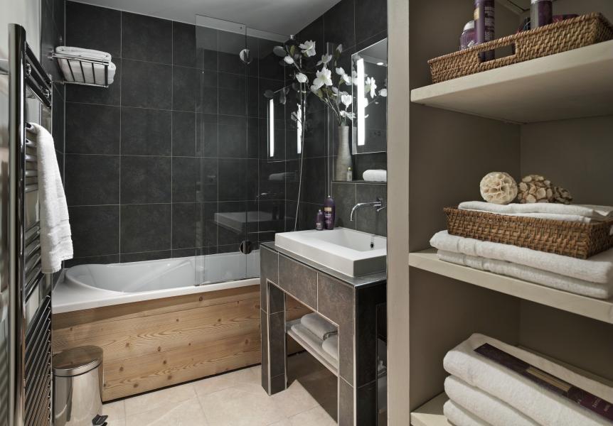 Alquiler al esquí Résidence P&V Premium les Chalets du Forum - Courchevel - Cuarto de baño