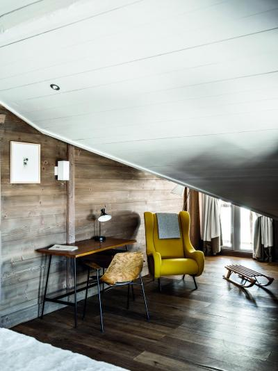 Location au ski Hotel Des 3 Vallees - Courchevel - Chambre mansardée