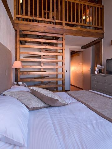 Location au ski Chambre Triple (3 personnes) - Hotel Le New Solarium - Courchevel - Lit double