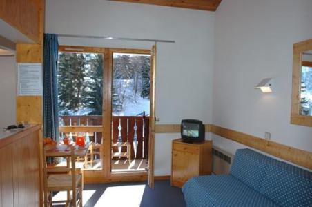 Location au ski Appartement 2 pièces 6 personnes - Residence Les Brigues - Courchevel - Porte-fenêtre donnant sur balcon