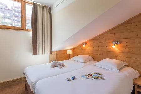Location au ski Residence P&v Premium Les Chalets Du Forum - Courchevel - Chambre mansardée
