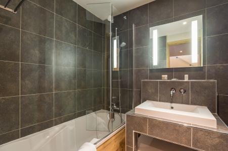 Location au ski Residence P&v Premium Les Chalets Du Forum - Courchevel - Salle de bains