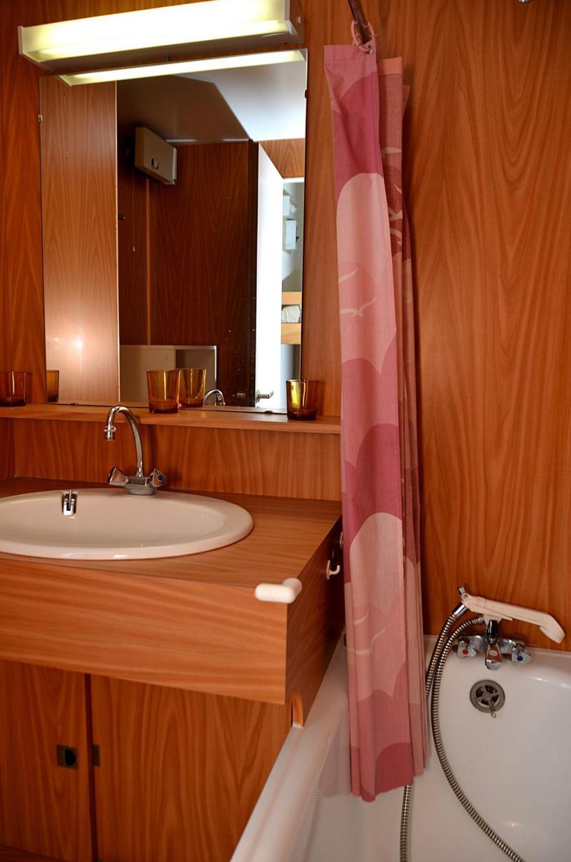 Location au ski Studio 4 personnes (506) - La Residence Andromede - Flaine - Lavabo