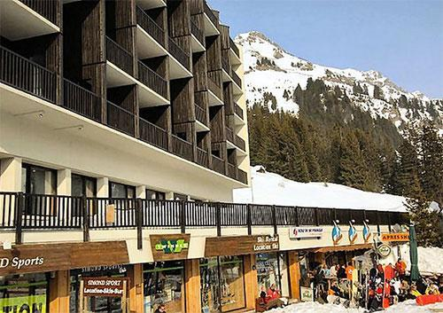 Rent in ski resort Résidence Pierre & Vacances la Forêt - Flaine - Winter outside
