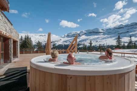 Location au ski Residence P&v Premium Les Terrasses D'helios - Flaine - Jacuzzi