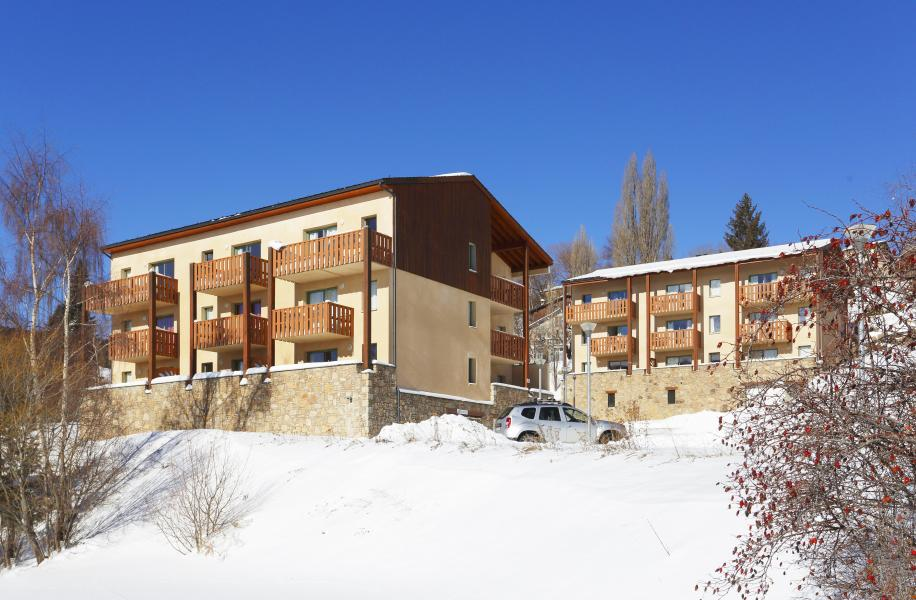 Vacances en montagne Résidence les Chalets du Belvédère - Font Romeu - Extérieur hiver