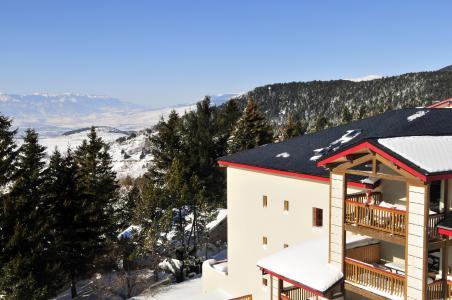 Vacances en montagne Résidence le Domaine de Castella - Font Romeu - Extérieur hiver
