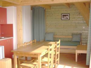 Location au ski Residence Le Domaine De Castella - Font Romeu - Coin repas
