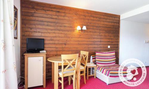 Аренда на лыжном курорте Квартира студия для 2 чел. (Confort 25m²) - Résidence le Pédrou - Maeva Home - Font Romeu - зимой под открытым небом