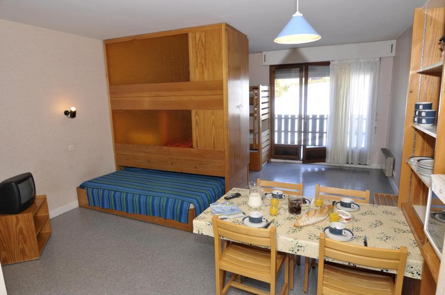 Rent in ski resort Résidence les Myrtilles - Gérardmer - Dining area